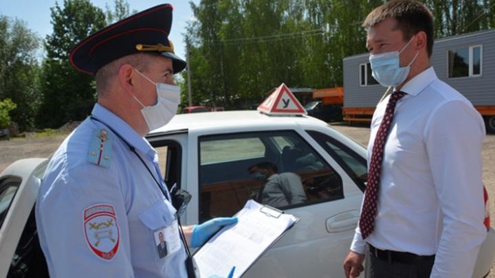 В Москве почти на треть выросло число впервые выданных водительских прав