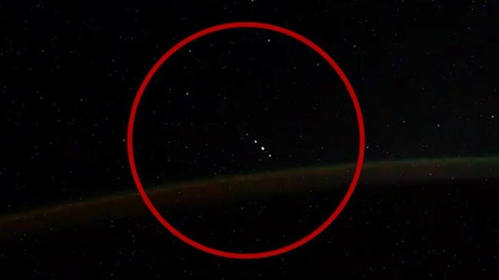 НЛО или молнии? Эксперт рассказал об объектах, снятых на видео с МКС