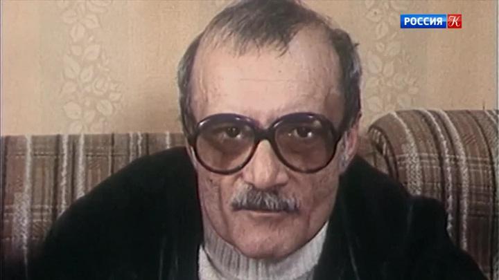 """Георгий Данелия: """"Когда снимаю фильм, я живу двумя жизнями"""""""