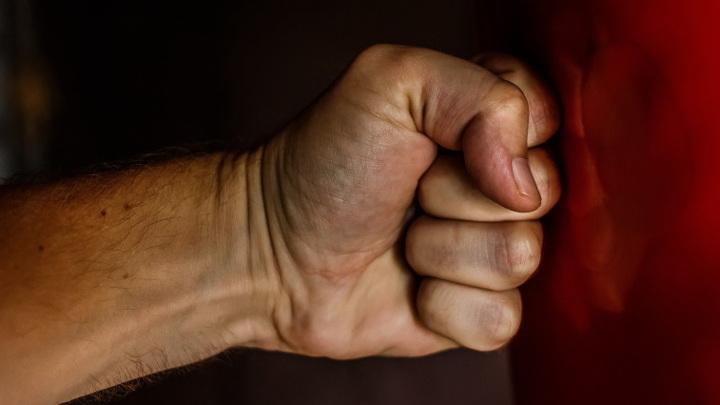 Двух полицейских в Якутии осудили за избиение инвалида