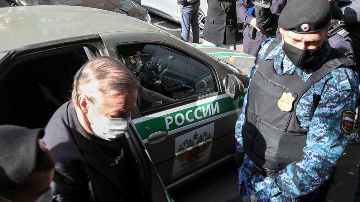 Михаил Ефремов: признаю свою вину