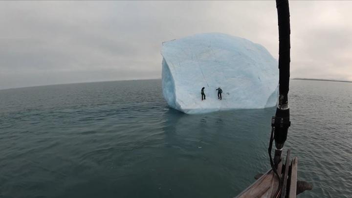 Знаменитый путешественник едва не погиб при восхождении на айсберг