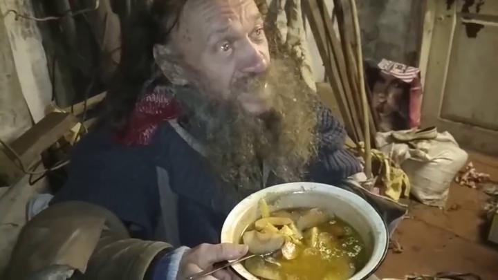 """""""Кулибин"""" из Чувашии создал посох для сбора яблок"""