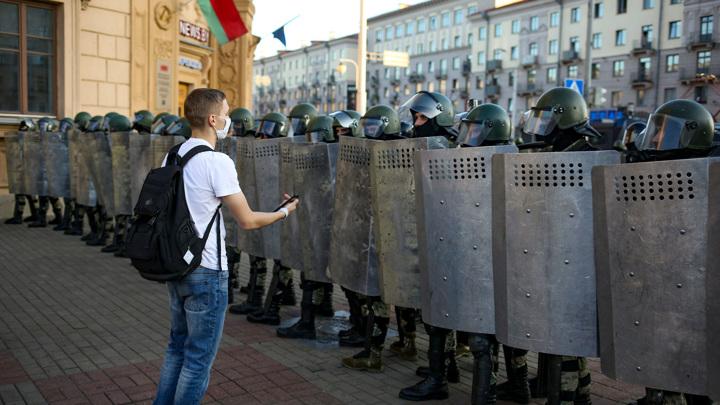 Мобильная связь в Минске пришла в норму