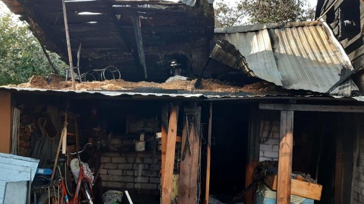 Полицейские вывели людей из горящего дома в Марий Эл