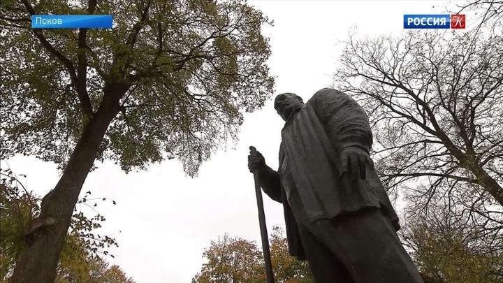 У Покровской башни открыли памятник Савве Ямщикову