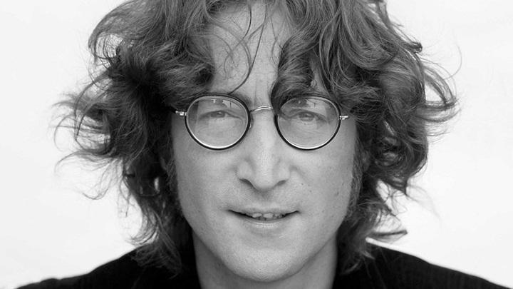 Кассету с записью не вышедшей песни Леннона продали на аукционе