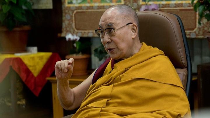 Далай-лама связал пандемию коронавируса с накопленной кармой