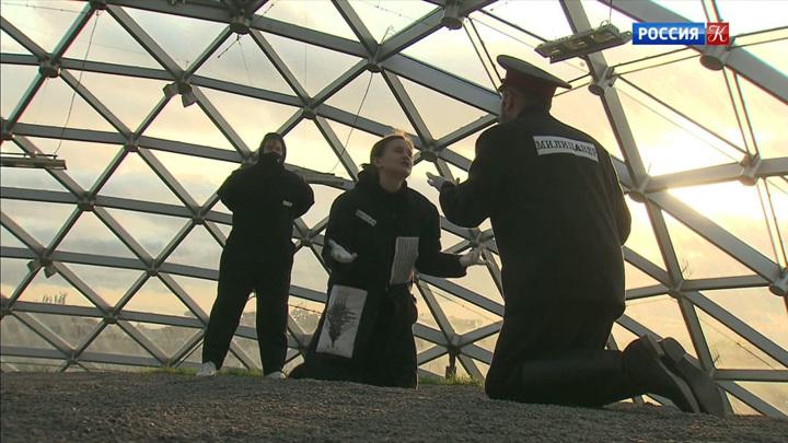 В парке «Зарядье» представили спектакль «Пригов. Азбуки»