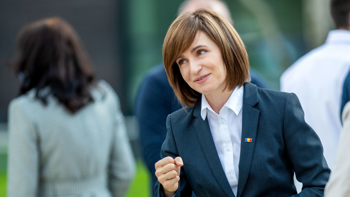 Парламент Молдавии сократил полномочия Санду