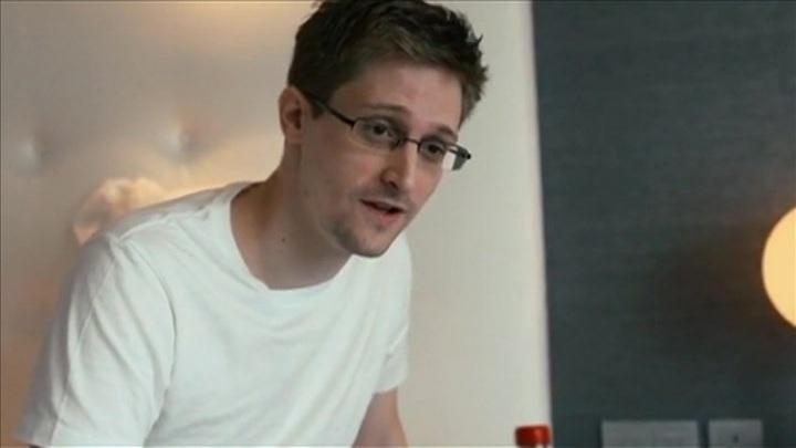 Сноуден хочет стать гражданином России