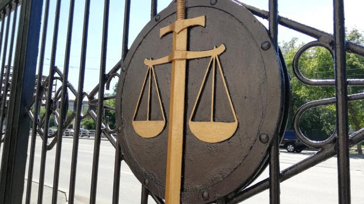 Новосибирский суд не оправдал хирурга. За смерть женщины его посадят на два года