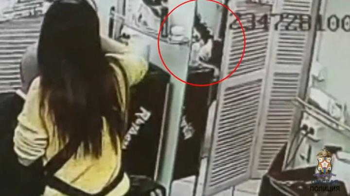 За кражу волос омичка рискует сесть в тюрьму