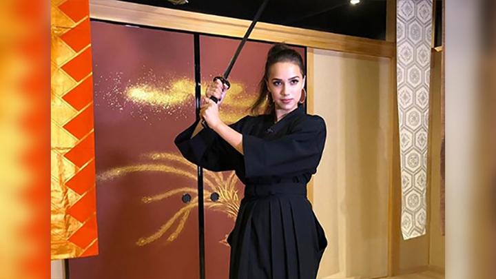 """""""Скучаю по Японии"""". Алина Загитова предстала в образе самурая"""