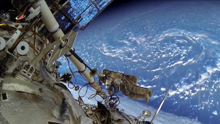 Роскосмос высказался о международной и национальной станциях