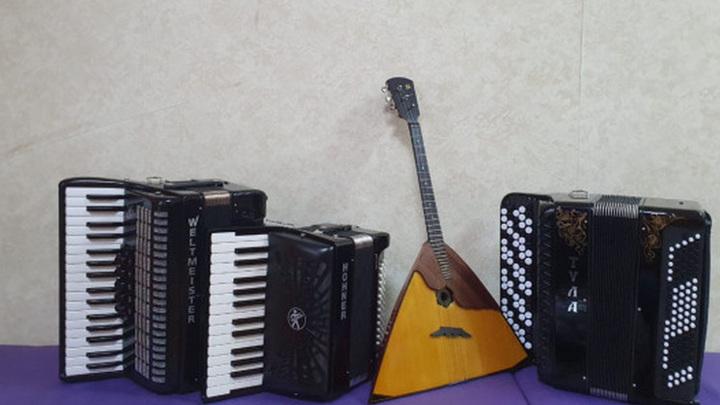 В новосибирские школы купили музыкальные инструменты на 20 миллионов