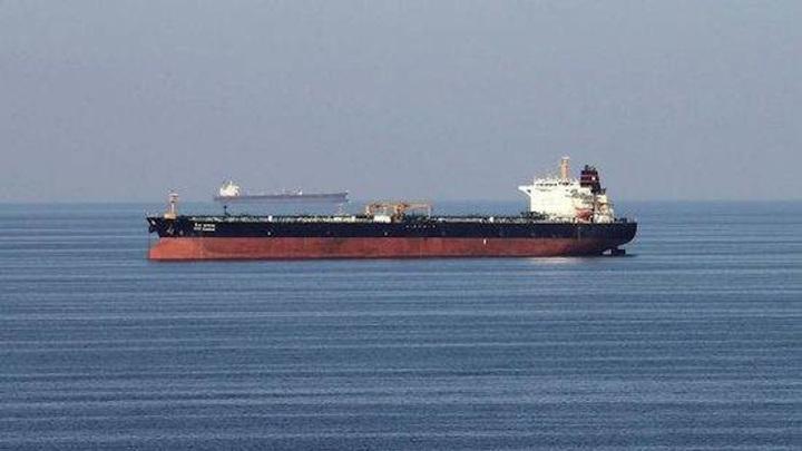 Нефтяной танкер подорвался у берегов Саудовской Аравии