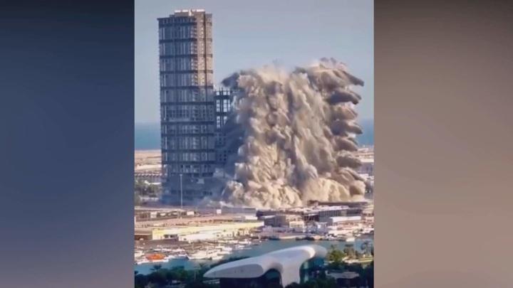 Четыре небоскреба в Абу-Даби снесли за 10 секунд