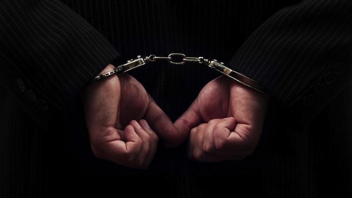 Пьяного лже-следователя из Новосибирска задержала полиция в поезде