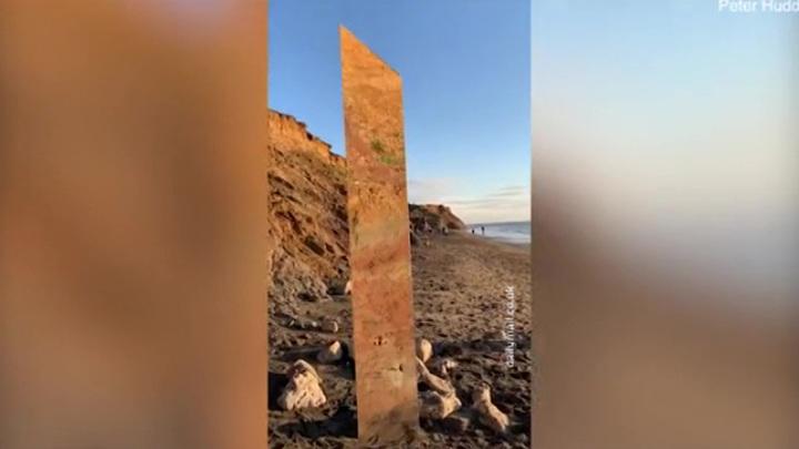 Очередной загадочный монолит найден на берегу Ла-Манша