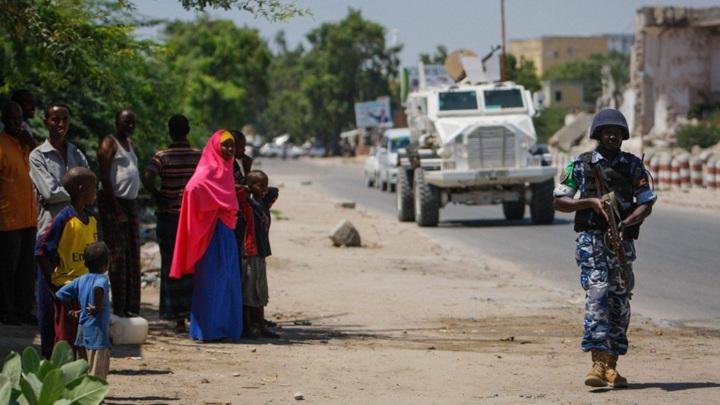 В Сомали неизвестные открыли стрельбу у президентского дворца