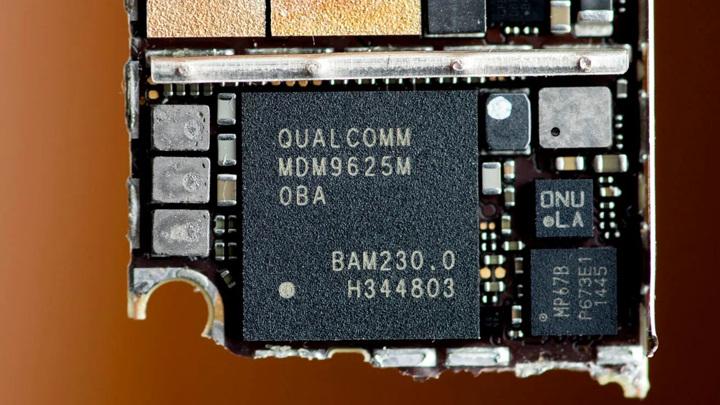 Расставшись с Intel, Apple избавится и от Qualcomm