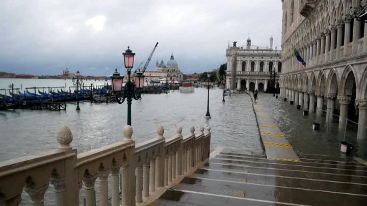 """Почему """"Моисей"""" не спас Венецию от наводнения"""
