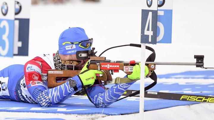 Логинов победил в индивидуальной гонке на этапе Кубка мира по биатлону