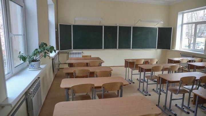 Школу затопило во Владивостоке во время циклона