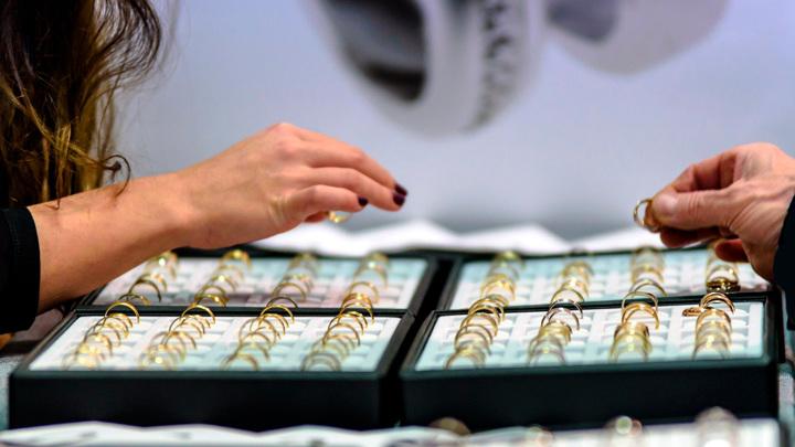 Минфин: доля теневого рынка ювелирных изделий в России достигла 50%