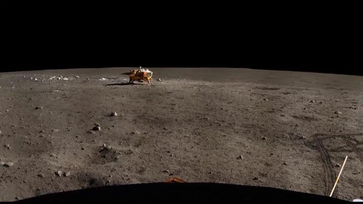 Китай приступил к изучению лунного грунта