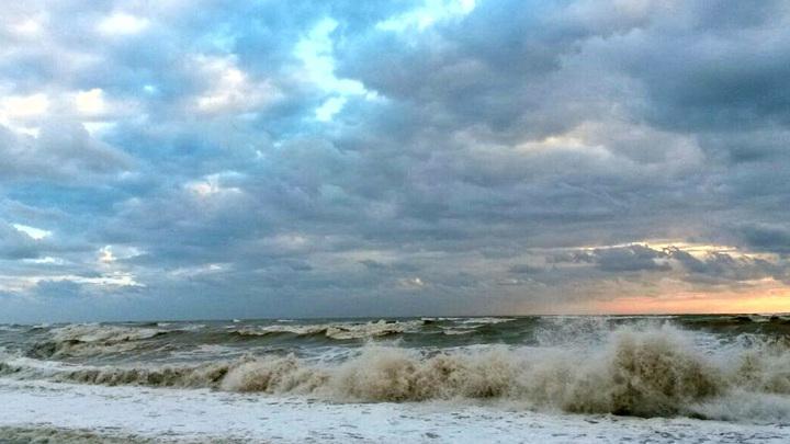 На побережье Сочи ожидаются смерчи