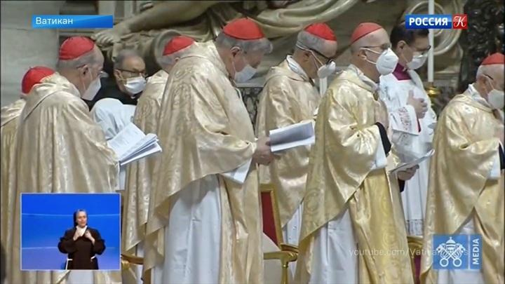 В Ватикане принуждают делать прививки от коронавируса