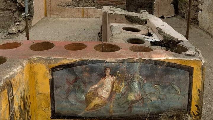 instagram.com/pompeii_parco_archeologico/