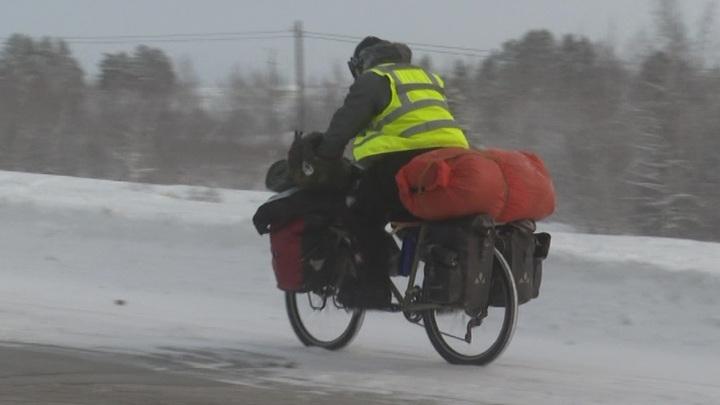 Итальянский велосипедист-экстремал отказался от нового путешествия в Якутии