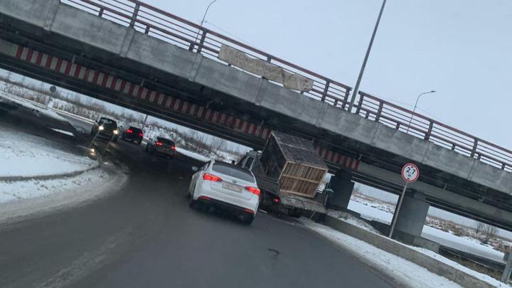 """В Петербурге не будут реконструировать """"мост глупости"""""""