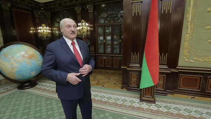 Лукашенко не обнимался с Помпео, но хочет отношений с США