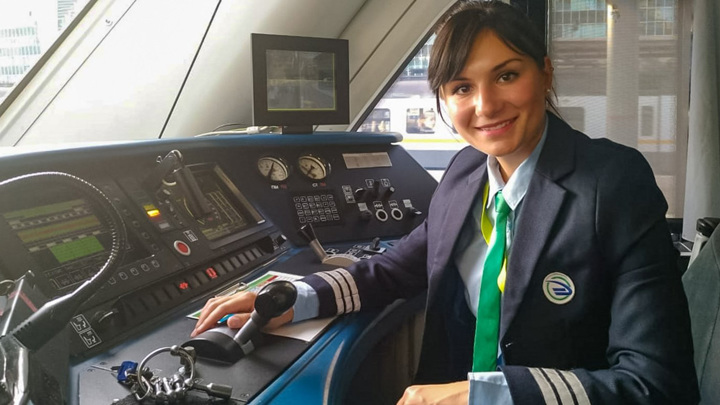 Первая женщина-машинист в России вышла в рейс