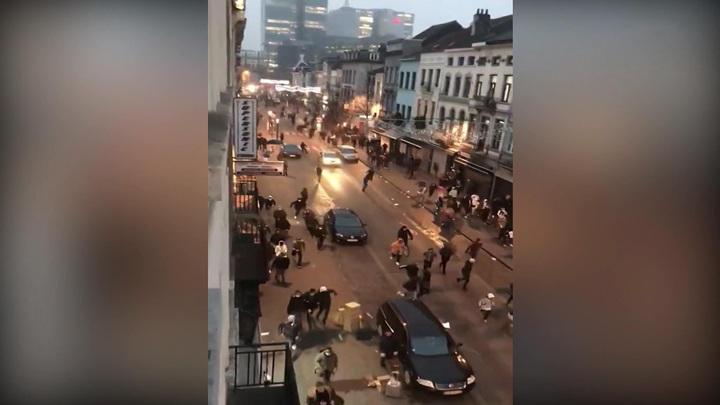 Король Бельгии попал в эпицентр беспорядков в Брюсселе