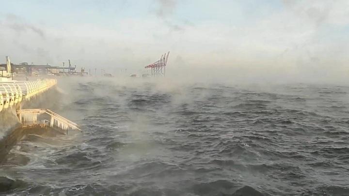 """В Одессе """"закипело"""" Черное море"""
