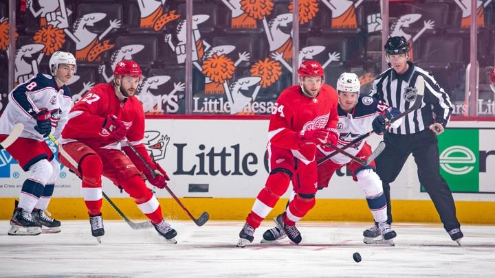"""Григоренко помог """"Коламбусу"""" впервые выиграть в новом сезоне НХЛ"""