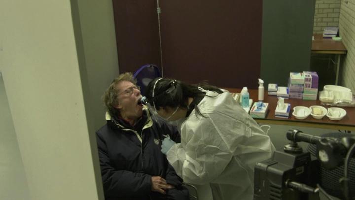 Рост заболеваемости и проблемы с вакцинами: ситуация с COVID-19 в мире