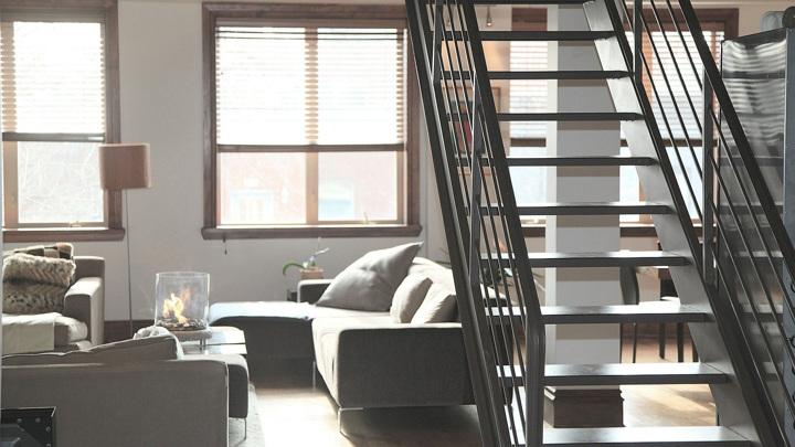 Новую квартиру по реновации в Москве разрешили оформлять у нотариуса онлайн