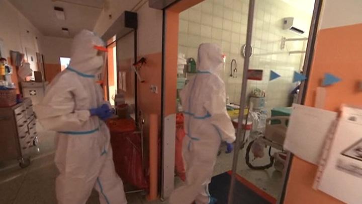 В Москве врачи спасли пациентку при 100% поражения легких