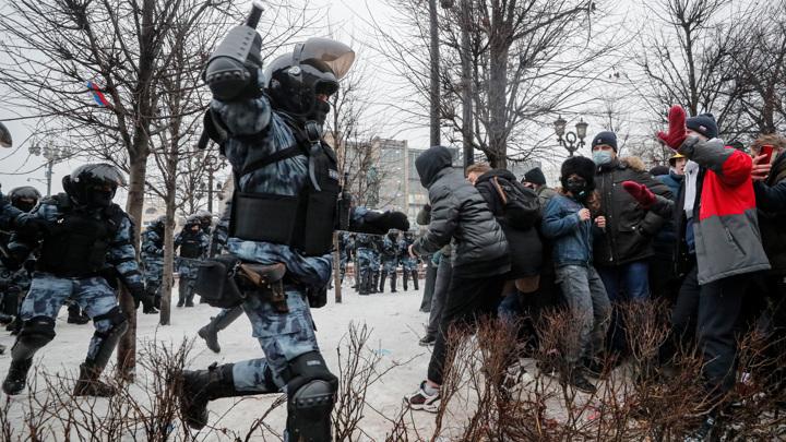 В Москве пострадала корреспондент РИА Новости