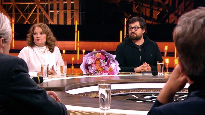Ирина Алферова впервые представила публике сына Александра