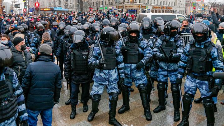 ГУ МВД Москвы: полиция законно применяла силу на акциях