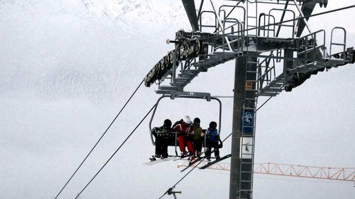 Застрявшим на канатной дороге в Сочи начислят подарочные ски-пассы