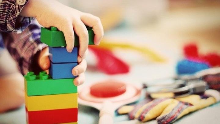 В Самаре воспитатели детского сада заперли 4-летнего мальчика в шкафчике в одних трусах