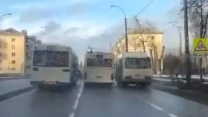 Лихачи на автобусах пугают жителей Липецка